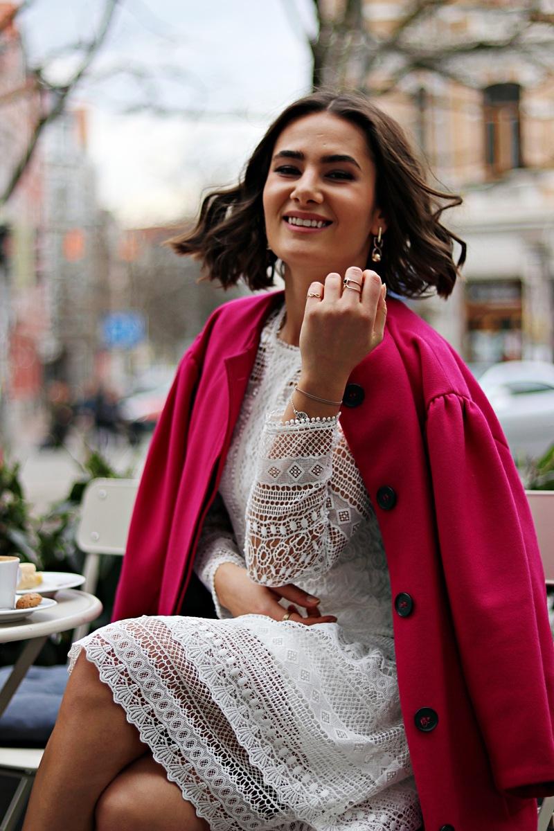 fashionblogger_kateschmidt_ootd_lace_dress_pink_coat