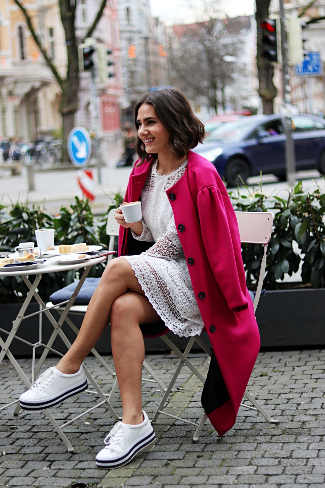 fashionblogger_kateschmidt_ootd_lace_dress_pink_coat